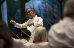 """Rossen Milanov conducts the Chautauqua Symphony Orchestra in """"Sheep May Safely Graze, BWV 208 (1713-17)"""" by J.S. Bach/Arr. Stokowski on July 28, 2016 in the Amphitheater. Photo by Sarah Holm"""