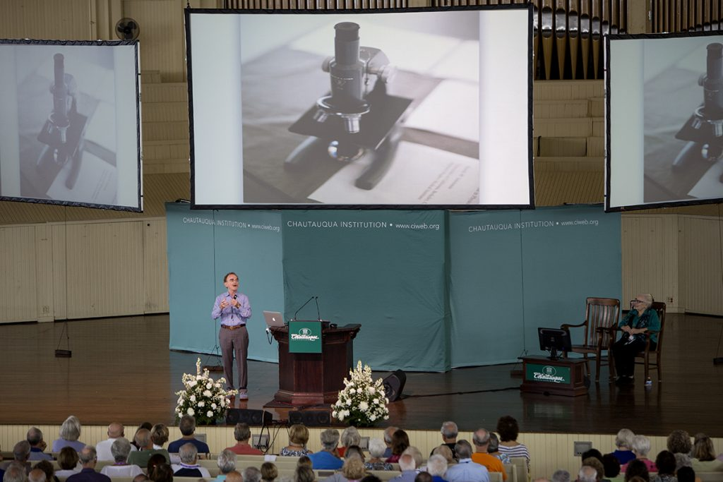 "Randy Schekman, Investigator and Professor of cell and developmental biology, delivers his lecture titled "" Genome Editing: How It Works and What It Can Do"" August 10, 2016 in the Amphitheater. Photo by Eslah Attar"