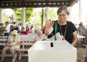 Sheila Moldover casts a vote at 10 AM on Saturday, August 13, 2016, in the Hall of Philosophy. The election Moldover voted in was to determine a Class B Trustee on the Chautauqua Board of Trustees. CPOA exiting president Bill Neches won against Markie McCarthy by 71 votes. Photo by Carolyn Brown.