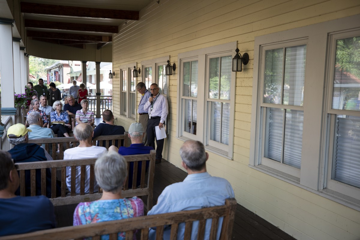 0814_WednesdayPorchDiscussion_Follansbee_Baggiano_BCH_2