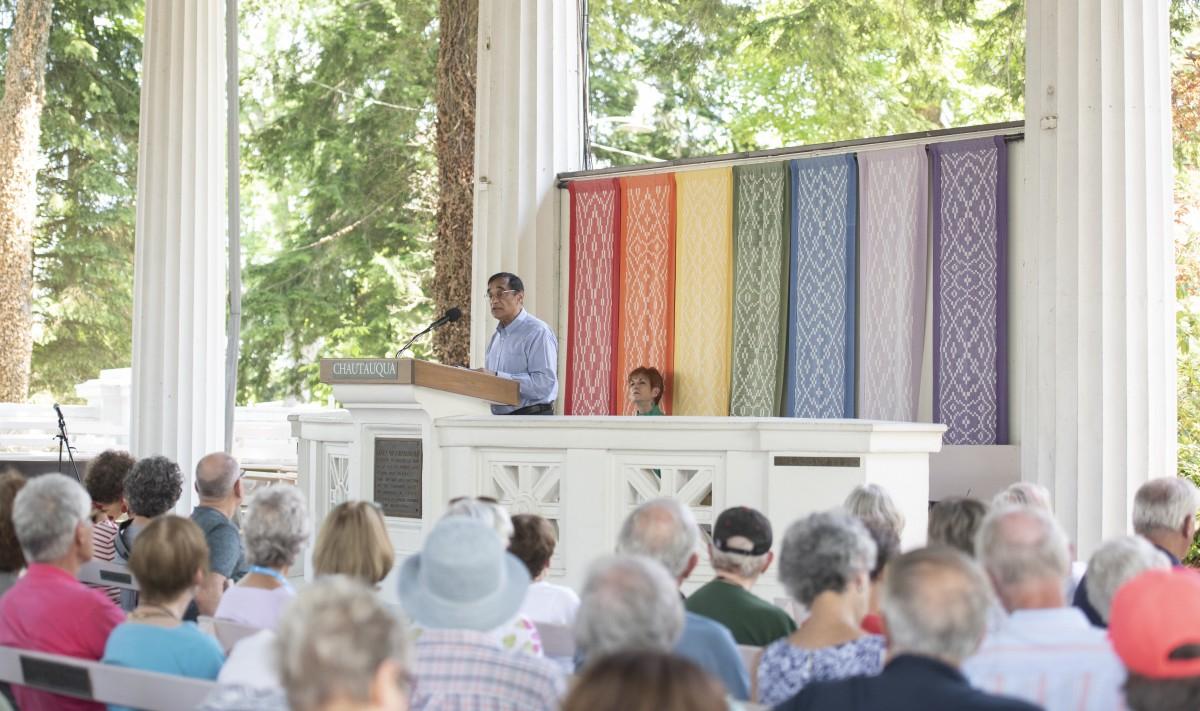 Ali Asani Traces Differences in Islamic Interpretations Back
