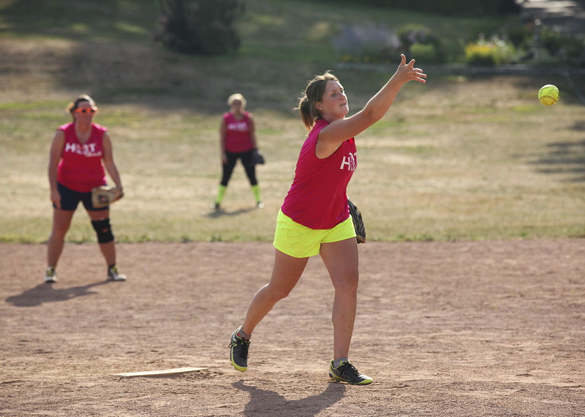 080816_SoftballFinals_CB_03