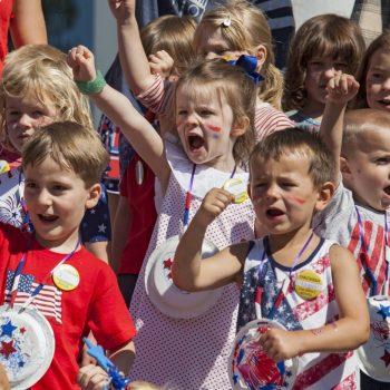 070418_Childrens_Parade_ec_FILE_01