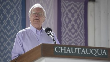081219_Bill Moyers_SY_02