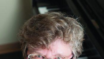 Carol Rausch – headshot – cropped