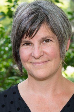 Beth Lipman Headshot